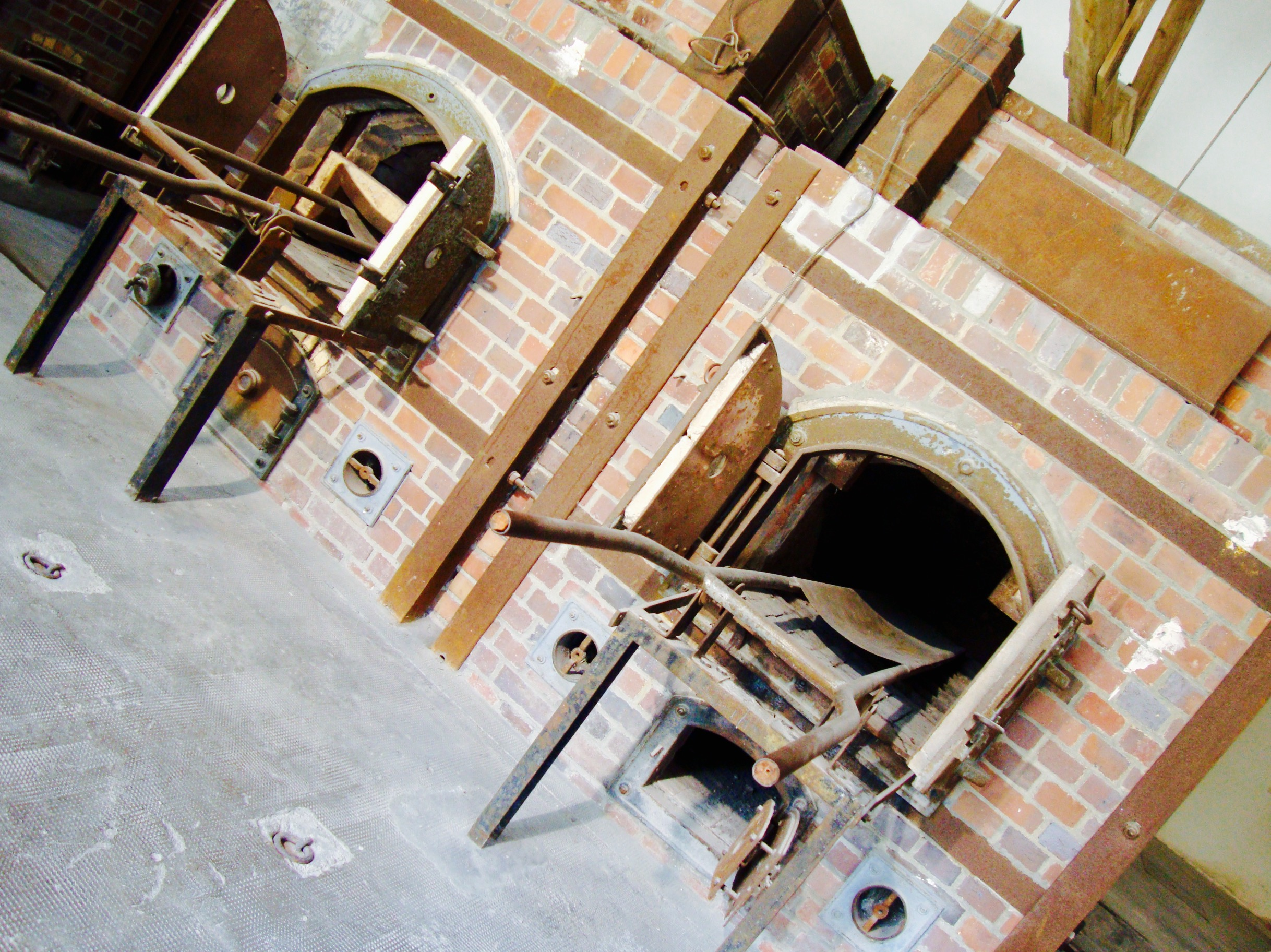 Large crematorium - it was erected between May 1942 and April 1943. it was to serve both as a killing and to remove the dead.